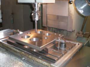 развертывание отверстий в металле